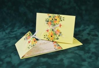 Invitatie de nunta verde deschis cu flori colorate