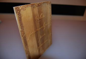Placa din lemn Arta personalizarii prin gravura