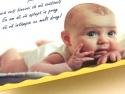 Detaliu interior invitatie de botez cu poza copilului