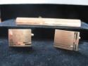 Butoni de camasa din aur personalizati prin gravura mecanica