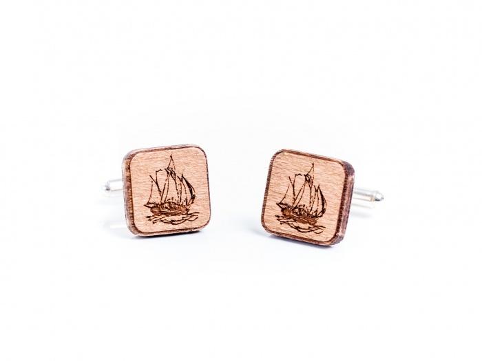 Butoni din lemn cu tematica marina