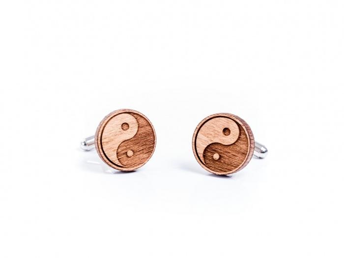 Butoni din lemn Yin si Yang